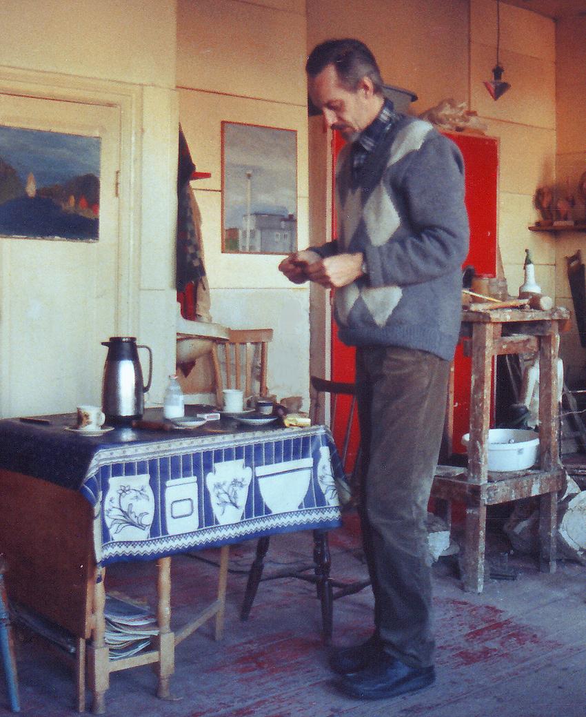 Skulptor malare Rolf Nerlov konstnar Malmo konstnarer, skulptorer Malmo malare, bildkonstnar. Svenskt konstnarshem, konstnarsliv, konstnarskap. Ateljé bostad, hem Sodra Forstadsgatan 23 C, Malmo, konstnarer Skane konstnar, Sverige.